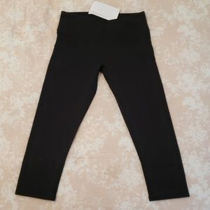 New Fabletics Angela Capris XS/4 with cutouts